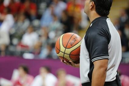 Basketball Regeln - Der Schiedsrichter